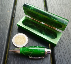 kleiner grüner kuli